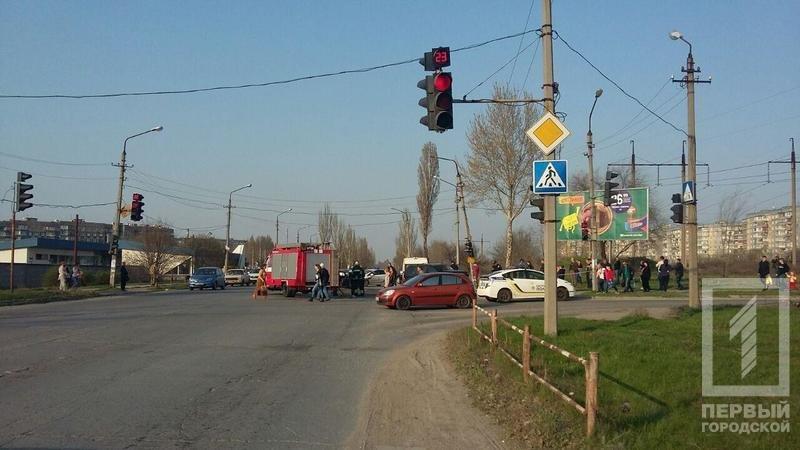 Смертельное ДТП в Кривом Роге: В результате столкновения двух легковушек, погиб водитель, пассажир в тяжелом состоянии, фото-2