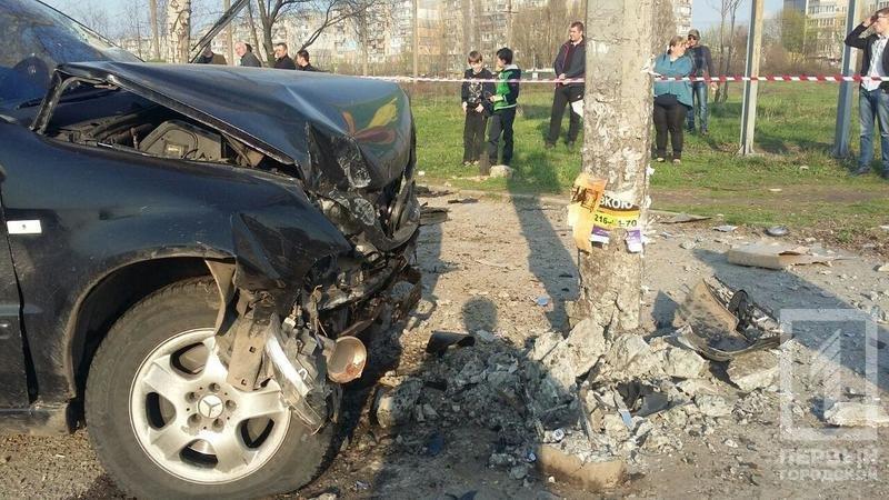 Смертельное ДТП в Кривом Роге: В результате столкновения двух легковушек, погиб водитель, пассажир в тяжелом состоянии, фото-4