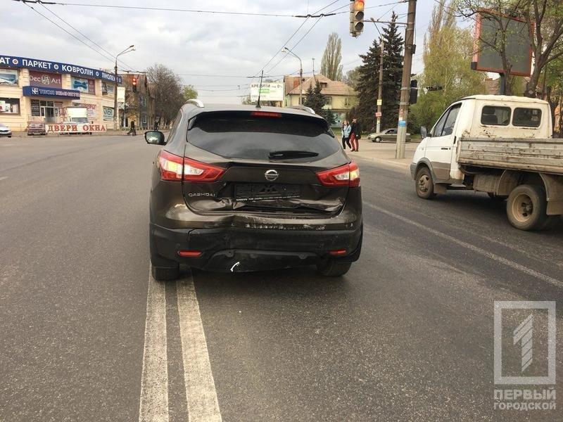 В Кривом Роге столкнулись две иномарки. Пострадала женщина-водитель (ФОТО), фото-1