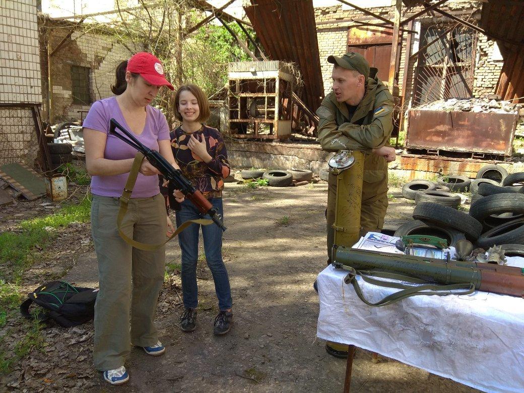 Бойцы АТО обучили криворожанок самообороне и оказывать медицинскую помощь в экстренных ситуациях  (ФОТО), фото-29