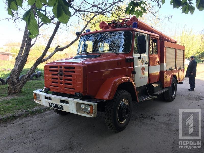 В Кривом Роге неизвестные подожгли шины (ФОТО), фото-5