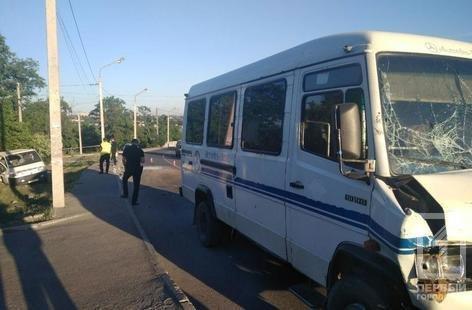 ДТП в Кривом Роге: 5 человек пострадали в результате столкновения микроавтобусов, - ФОТО, фото-1