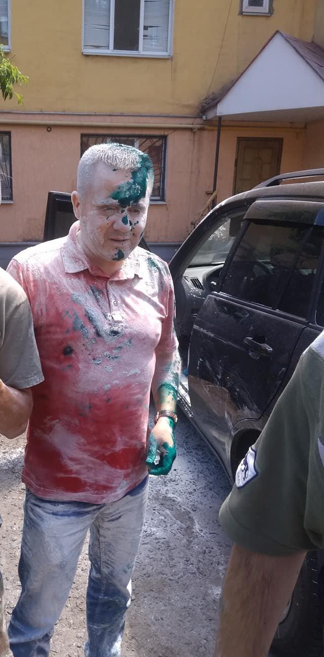 В Кривом Роге депутат от Опоблока оказался в муке и зеленке, - ФОТО, фото-2