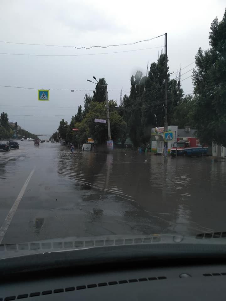 Венецию - в побратимы! Кривой Рог местами затопило после очередного ливня, - ФОТО, фото-2