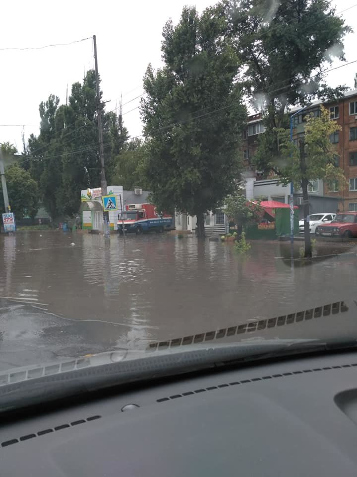Венецию - в побратимы! Кривой Рог местами затопило после очередного ливня, - ФОТО, фото-1