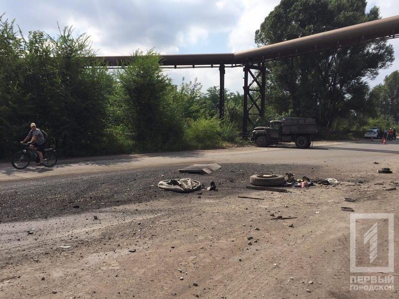В Кривом Роге перевернулся грузовик. Тяжело травмирован пассажир, - ФОТО, фото-4