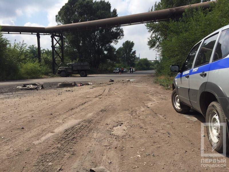 В Кривом Роге перевернулся грузовик. Тяжело травмирован пассажир, - ФОТО, фото-6