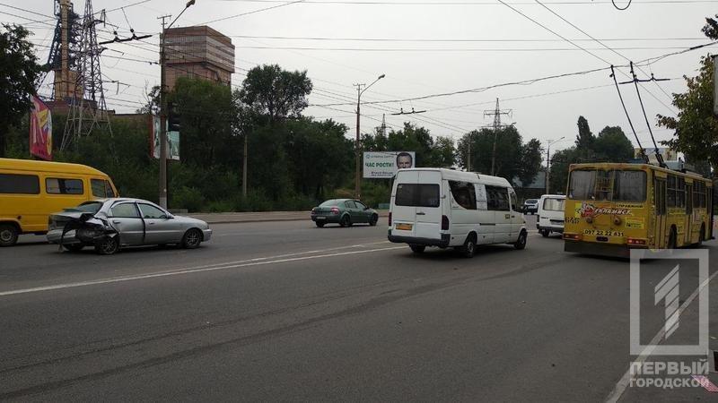 В тройном ДТП в Кривом Роге пострадали шестеро, - ФОТО, фото-1