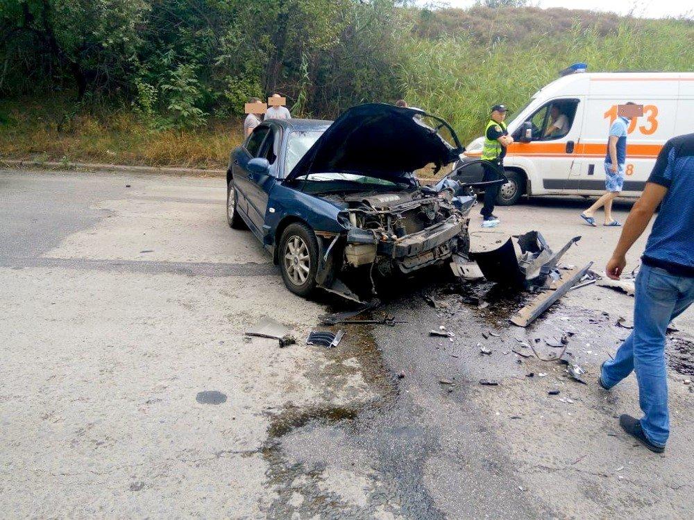 """В Кривом Роге в результате лобового столкновения """"Hyundai"""" и """"Renault""""  пострадали два человека, - ФОТО 18+, фото-10"""