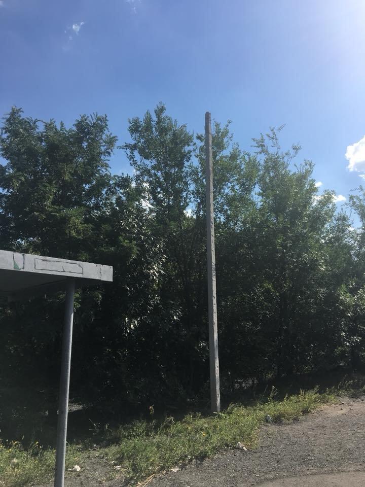 В Кривом Роге украли фонарь на солнечных батареях, освещавший пешеходный переход и остановку, - ФОТО, фото-5