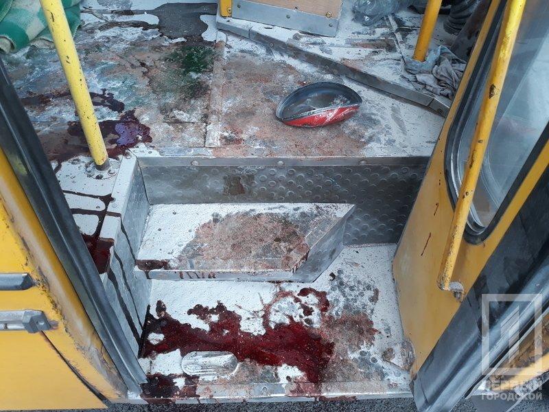 Несчастный случай в Кривом Роге: от взрыва огнетушителя в маршрутке пострадала женщина, - ФОТО 18+, фото-5