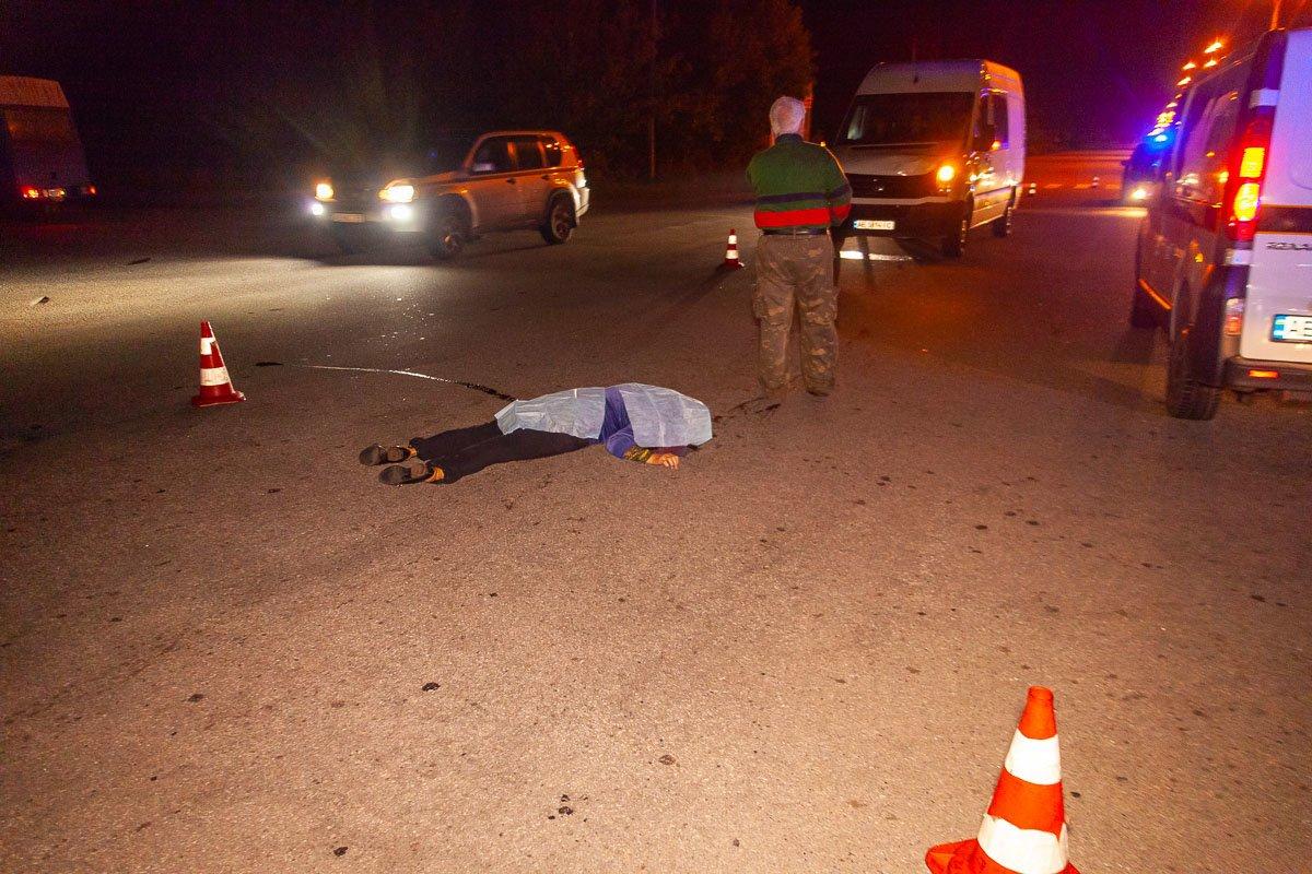 На Криворожской трассе на глазах у мужчины насмерть сбили его жену, - ФОТО 18+, фото-4