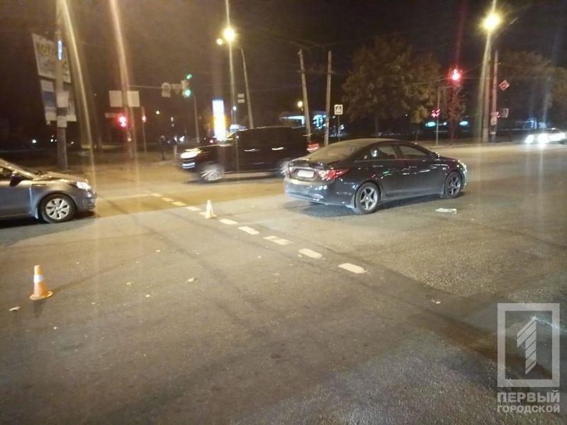 """ДТП в Кривом Роге: столкнулись автобус и """"Hyundai"""", - ФОТО , фото-1"""