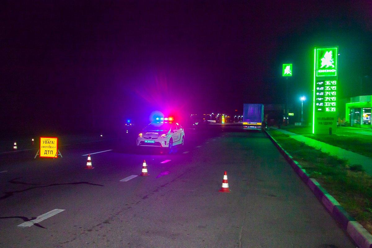 Смертельное ДТП на Криворожской трассе: водитель грузовика попал под колеса такси, - ФОТО , фото-6