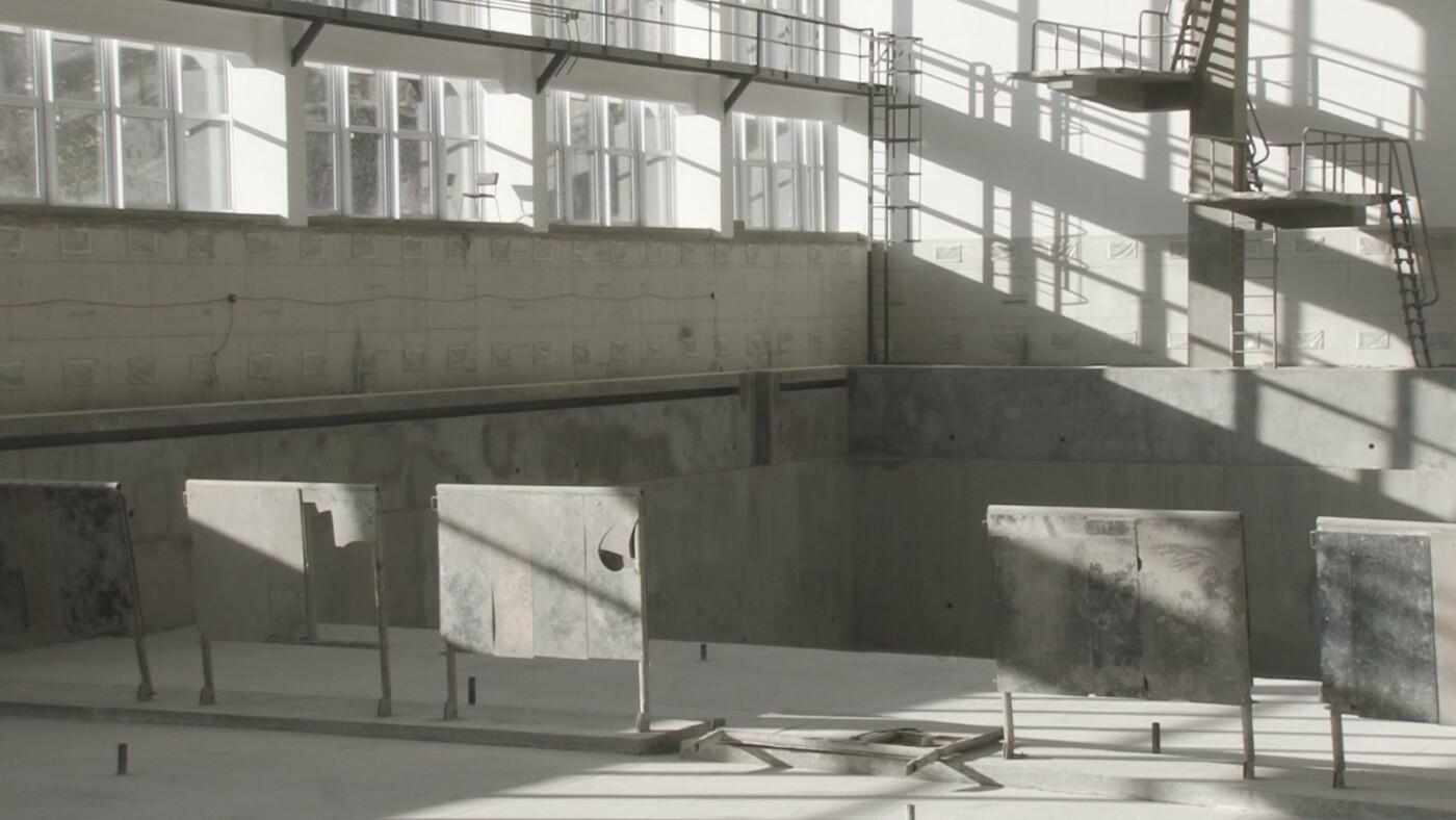 """В Кривом Роге второй год """"торопят"""" строителей, ремонтирующих бассейн в ДЮСШ №1, - ФОТО , фото-4"""