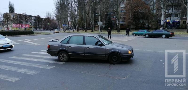 """ДТП в Кривом Роге: """"Volkswagen"""" сбил женщину на пешеходном переходе, - ФОТО , фото-4"""