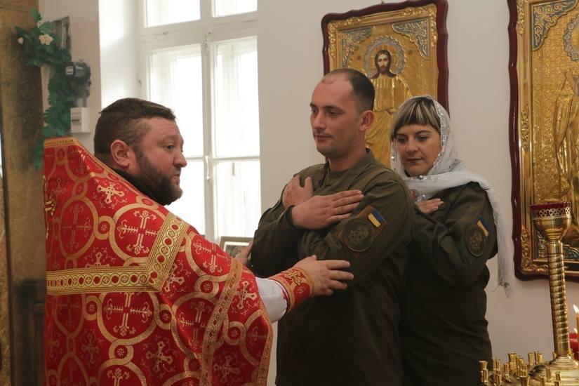 Криворожские нацгвардейцы обвенчались в зоне проведения ООС, - ФОТО , фото-12