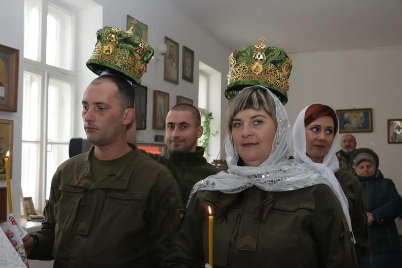Криворожские нацгвардейцы обвенчались в зоне проведения ООС, - ФОТО , фото-16
