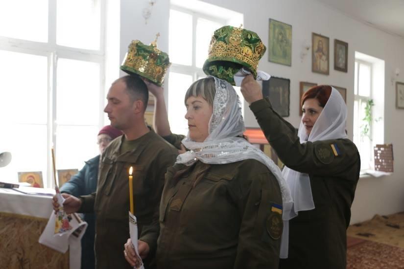 Криворожские нацгвардейцы обвенчались в зоне проведения ООС, - ФОТО , фото-10