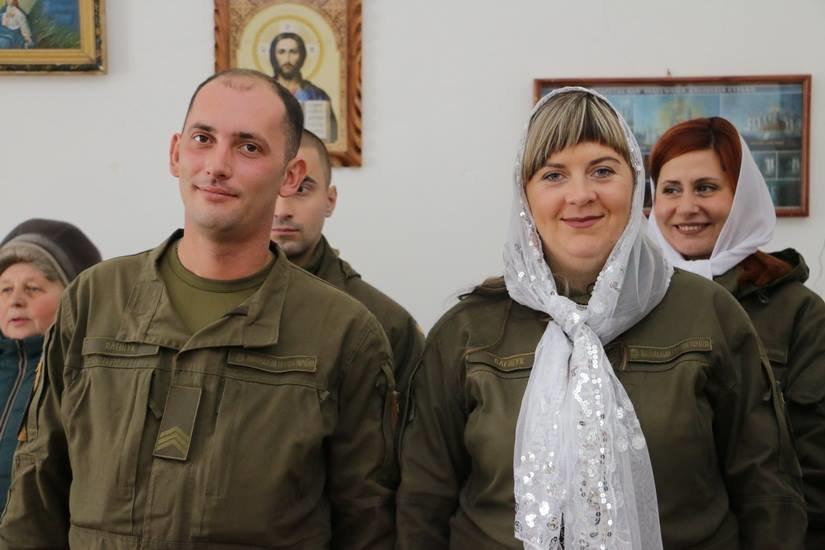 Криворожские нацгвардейцы обвенчались в зоне проведения ООС, - ФОТО , фото-19