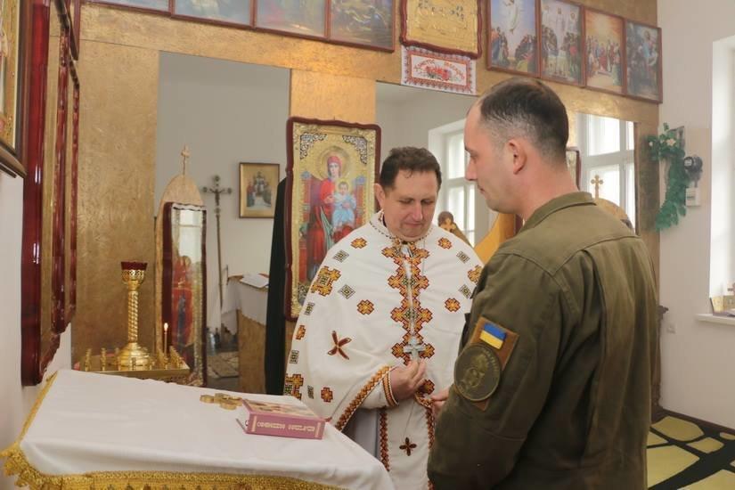Криворожские нацгвардейцы обвенчались в зоне проведения ООС, - ФОТО , фото-2