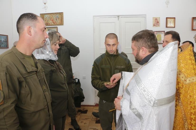 Криворожские нацгвардейцы обвенчались в зоне проведения ООС, - ФОТО , фото-1
