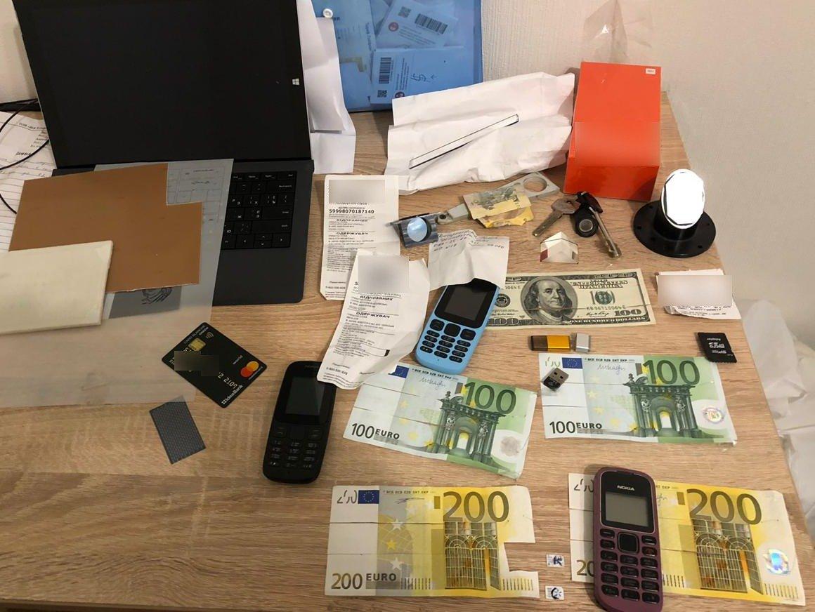 В Кривом Роге задержали членов ОПГ, проводивших махинации с банковскими терминалами, - ФОТО, ВИДЕО, фото-4