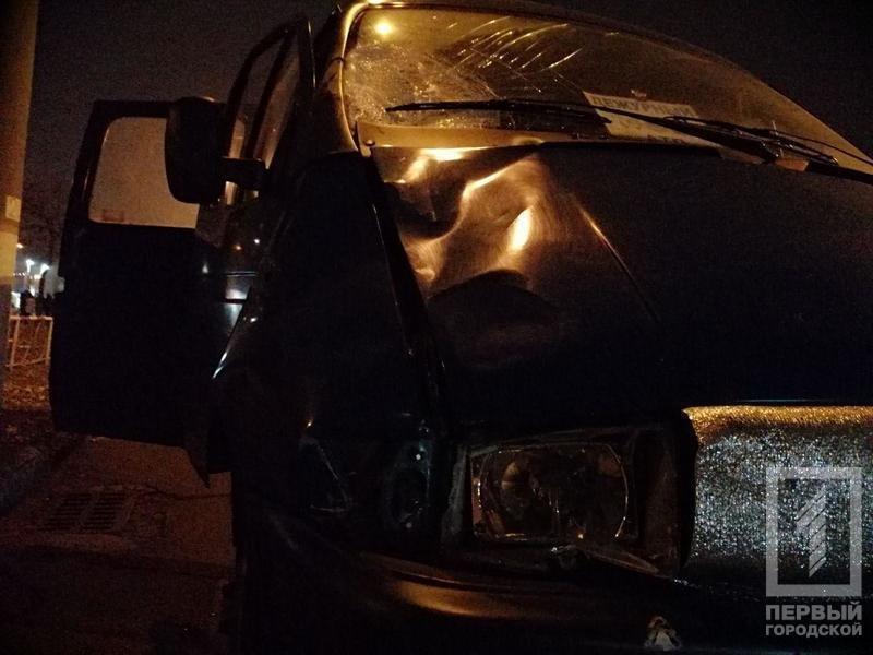 Смертельное ДТП в Кривом Роге: микроавтобус сбил мужчину, - ФОТО 18+, фото-1