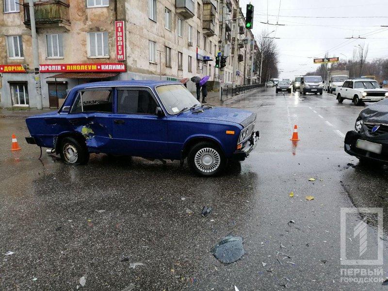 В Кривом Роге в результате ДТП  пострадала женщина, - ФОТО , фото-3