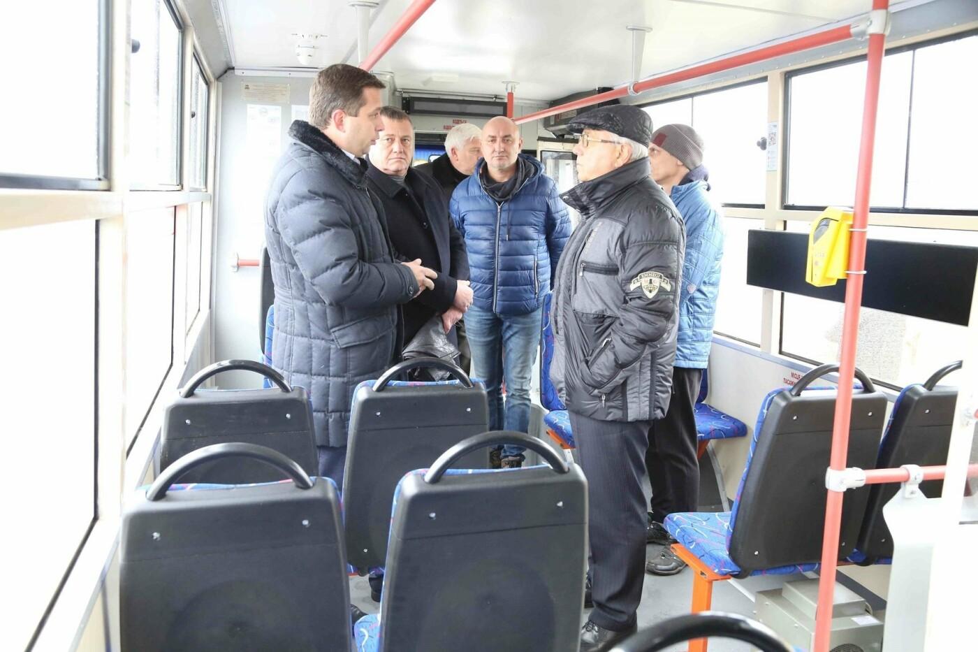 В Кривом Роге на линию вышел восьмой гибридный троллейбус, - ФОТО , фото-2