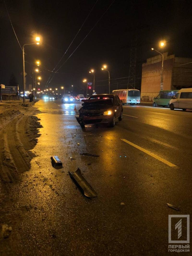 В Кривом Роге в результате ДТП пострадала женщина - пассажир маршрутного такси, - ФОТО , фото-3