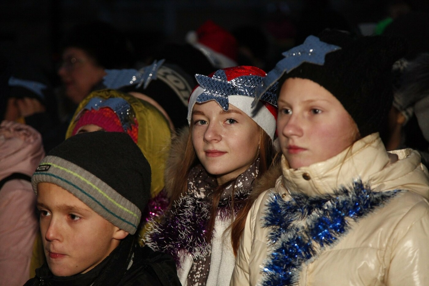 Спешите загадать желание: на ЮГОКе открыли праздничную елку, фото-4