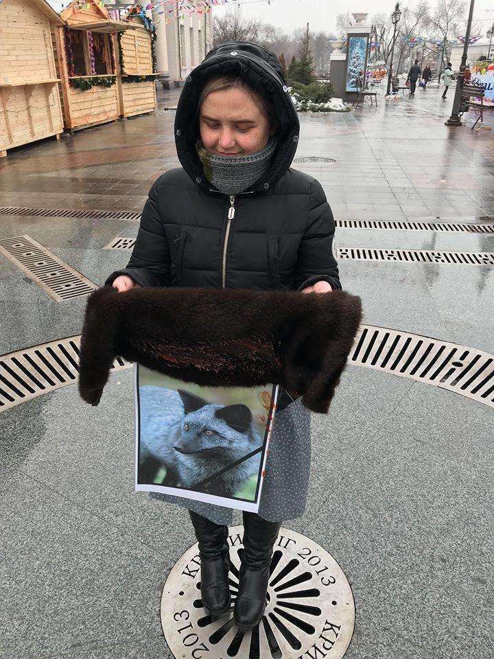 """""""Хватит платить за смерть"""": зоозащитники призвали криворожан отказаться от меховых и кожаных изделий, - ФОТО , фото-4"""