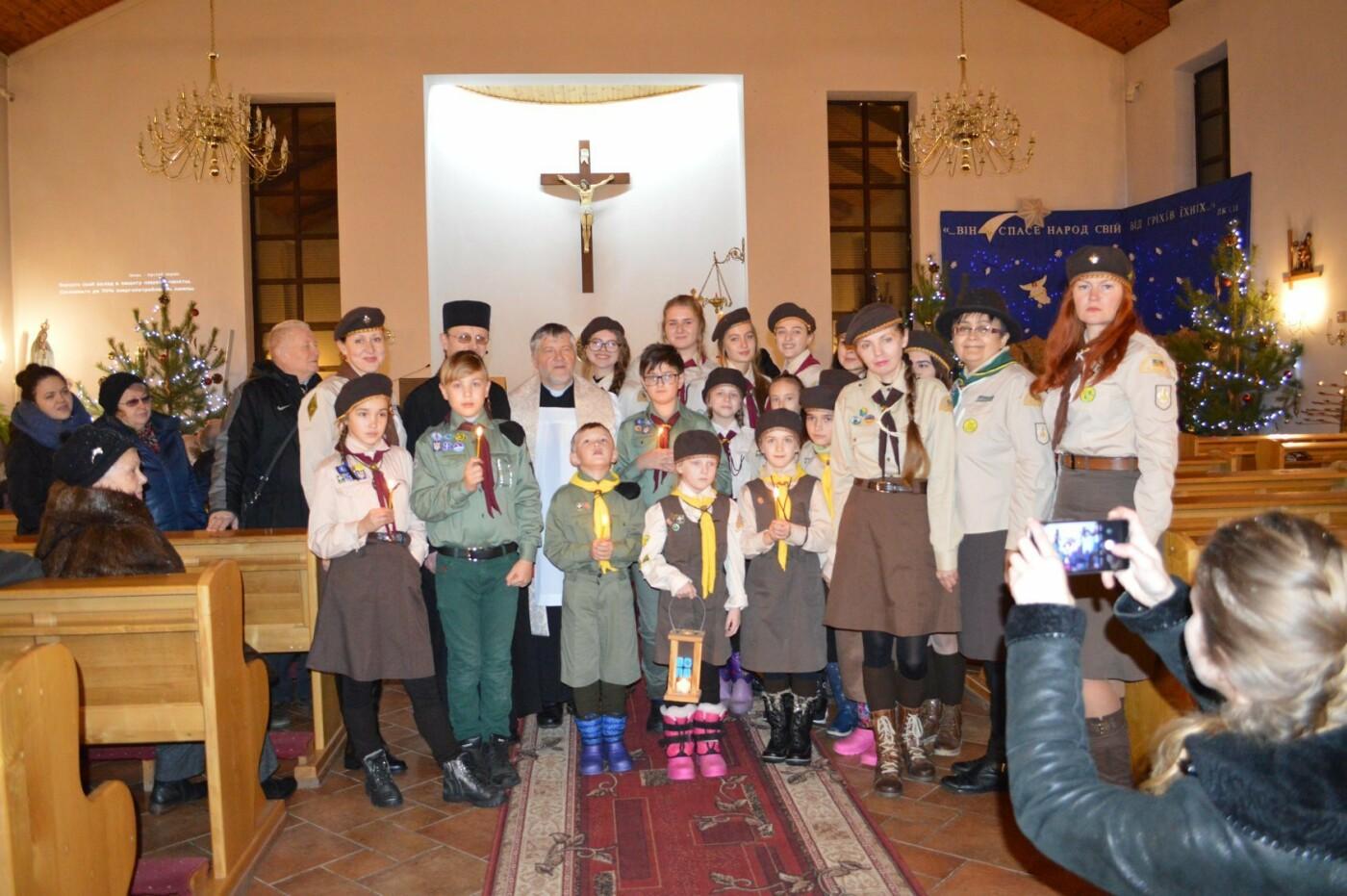 В Кривом Роге христиане западного обряда отмечают Рождество с Вифлиемским огнем, - ФОТО, фото-4