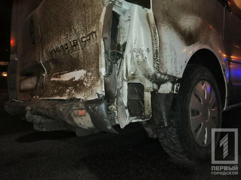 """В Кривом Роге в результате столкновения с микроавтобусов, травмировался водитель """"легковушки"""", - ФОТО , фото-4"""