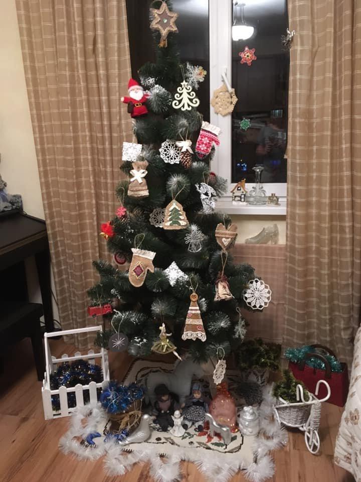 Новый год стучится в дверь: как криворожане дома украсили новогодние елки, - ФОТО , фото-10