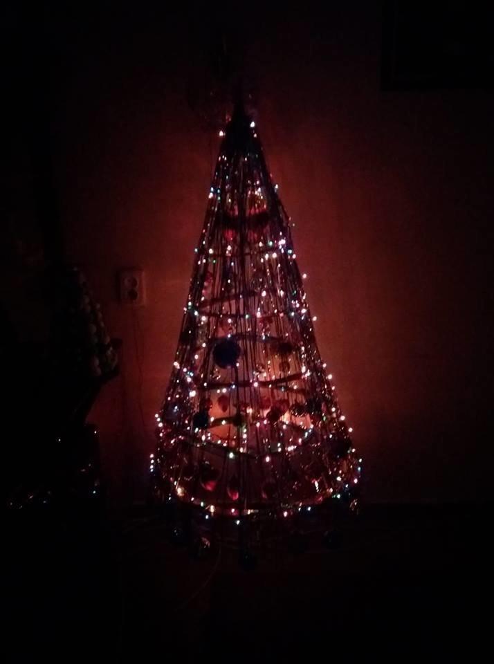 Новый год стучится в дверь: как криворожане дома украсили новогодние елки, - ФОТО , фото-12