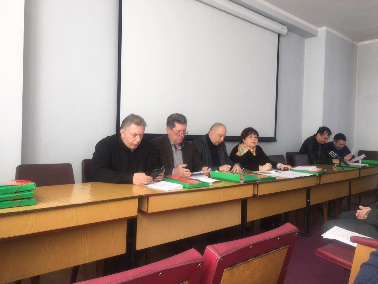 В Кривом Роге открылась сессия горсовета. Сегодня проходят заседания постоянных комиссий, - ПРЯМАЯ ТРАНСЛЯЦИЯ