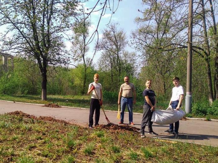 Криворожане собственными силами привели в порядок братскую могилу ВМВ, - ФОТО , фото-11