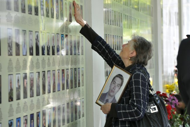 В столице состоялось ежегодное Шествие матерей погибших и пропавших без вести Героев, - ФОТО, ВИДЕО, фото-1