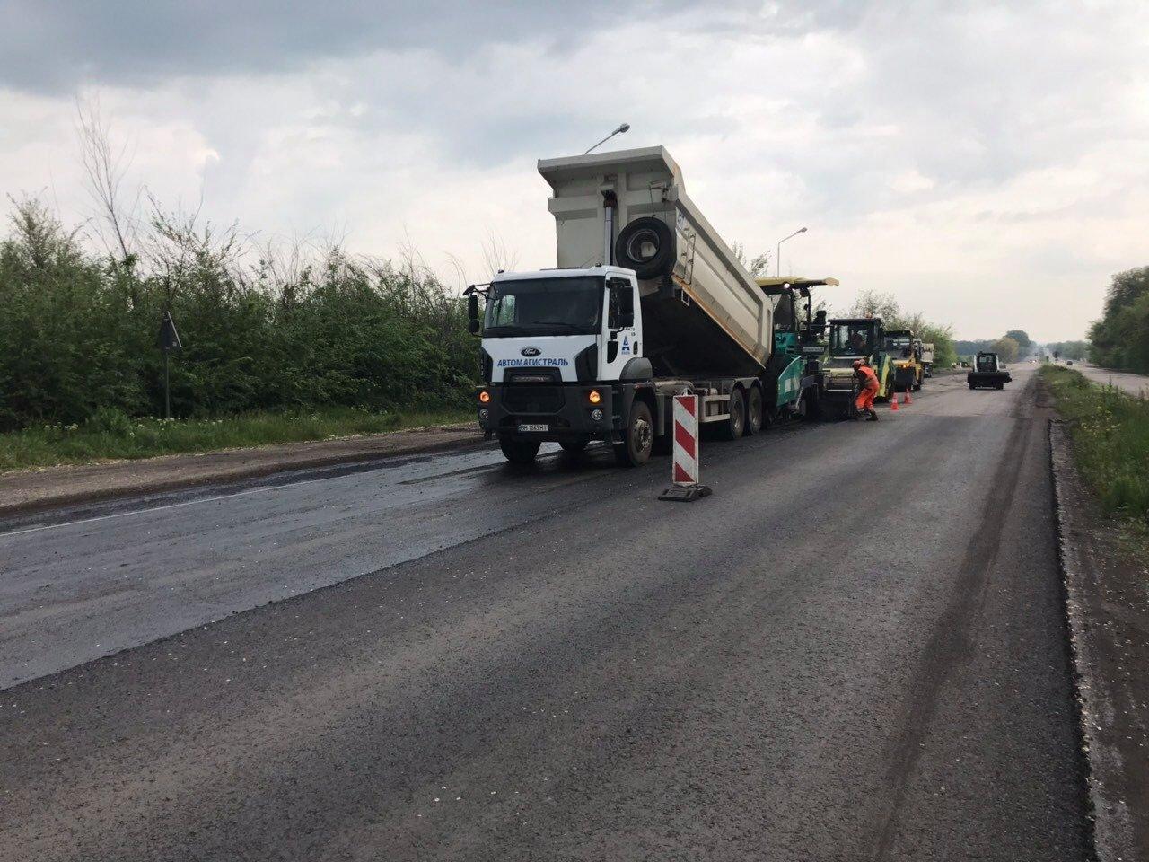 На самых разрушенных участках трассы Днепр-Кривой Рог-Николаев ликвидируют ямы, - ФОТО, фото-4