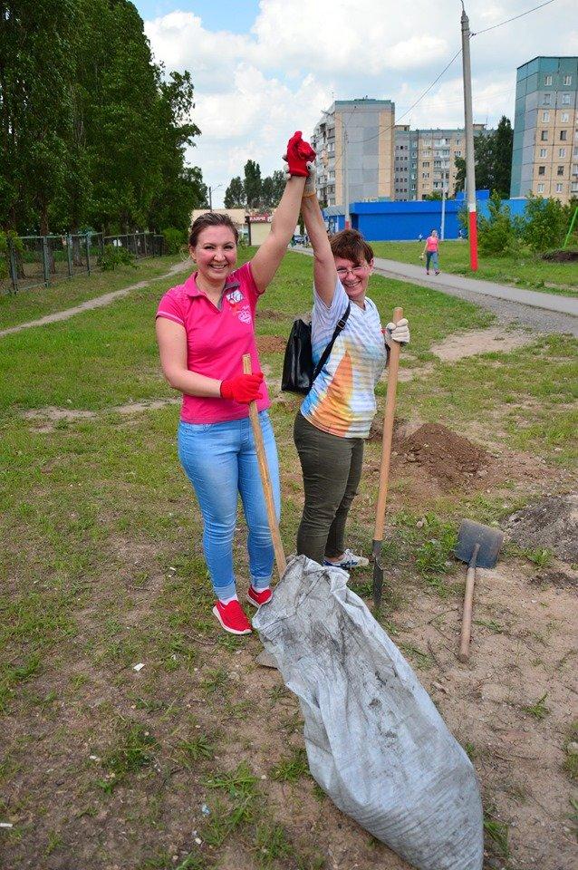 В Кривом Роге появился живой памятник людям, которые умерли из-за СПИДа, - ФОТО , фото-22