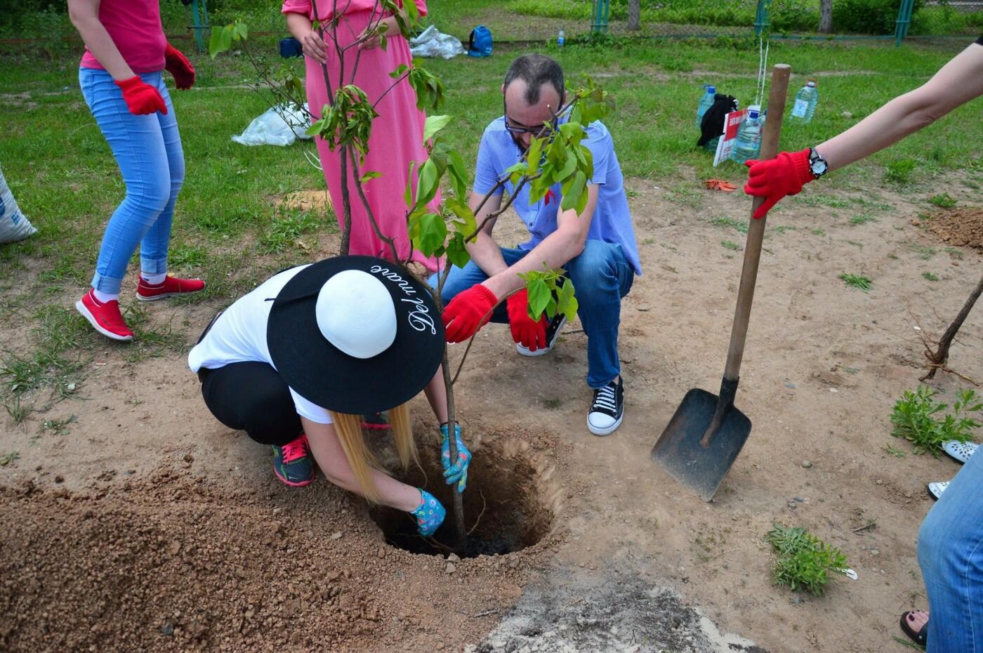 В Кривом Роге появился живой памятник людям, которые умерли из-за СПИДа, - ФОТО , фото-15