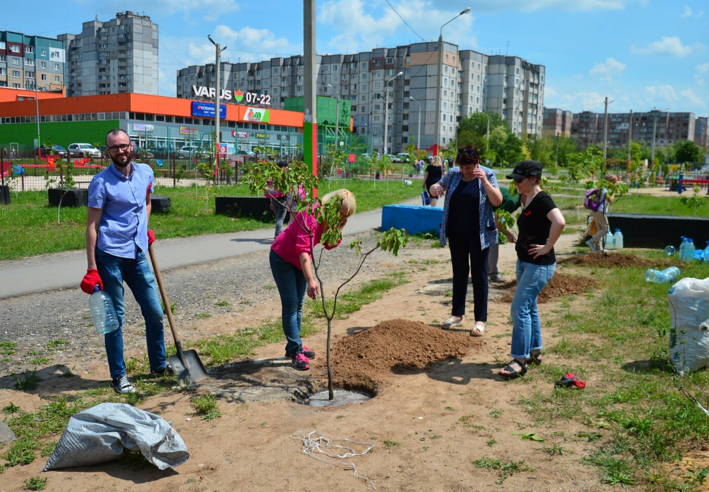 В Кривом Роге появился живой памятник людям, которые умерли из-за СПИДа, - ФОТО , фото-14