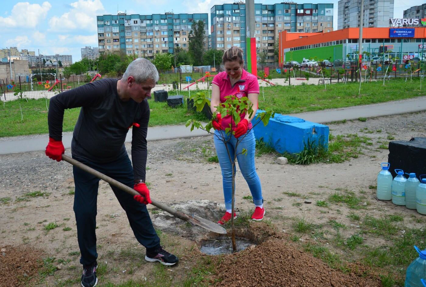 В Кривом Роге появился живой памятник людям, которые умерли из-за СПИДа, - ФОТО , фото-16