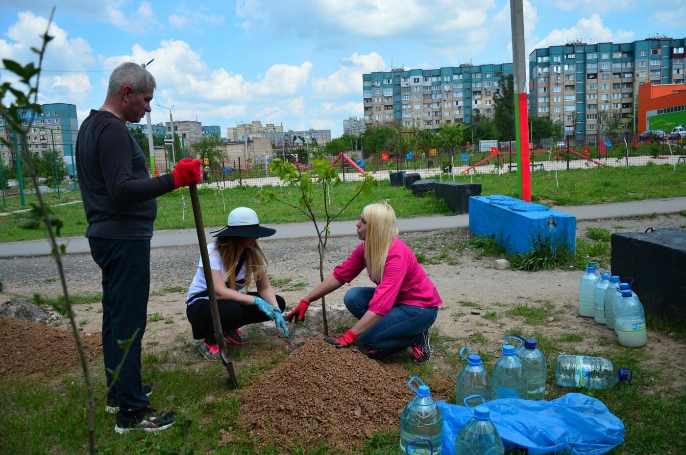 В Кривом Роге появился живой памятник людям, которые умерли из-за СПИДа, - ФОТО , фото-17