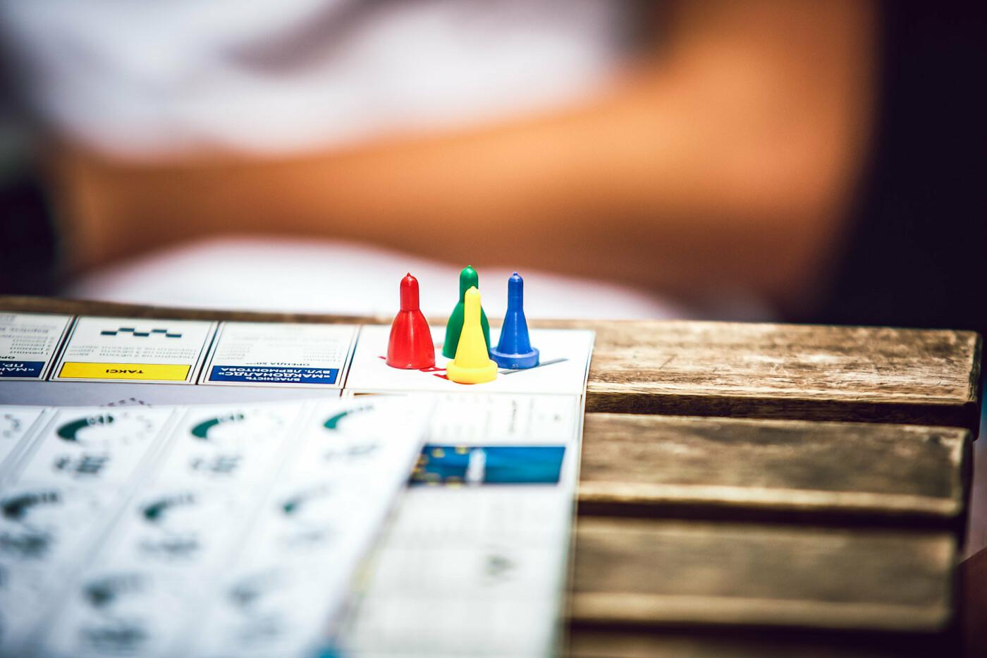 Команда Константина Усова разработала детскую настольную игру «монополия» про Кривой Рог, фото-4
