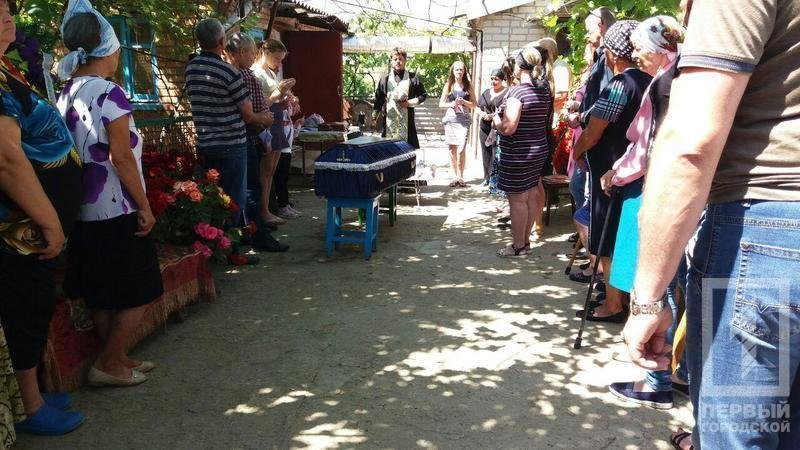 Сегодня в родном селе похоронили криворожского танкиста, погибшего в зоне ООС, фото-7