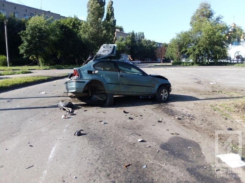 В Кривом Роге иномарка несколько раз перевернулась и задела пешехода. Водитель погиб, - ФОТО, фото-3