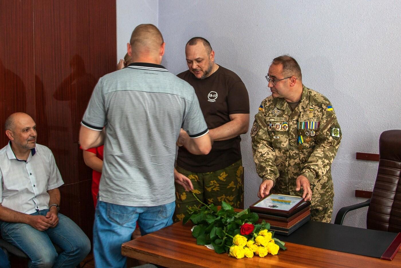 """Бойцы батальона """"Кривбасс"""" встретились с медиками накануне профессионального праздника, - ФОТО, ВИДЕО , фото-11"""